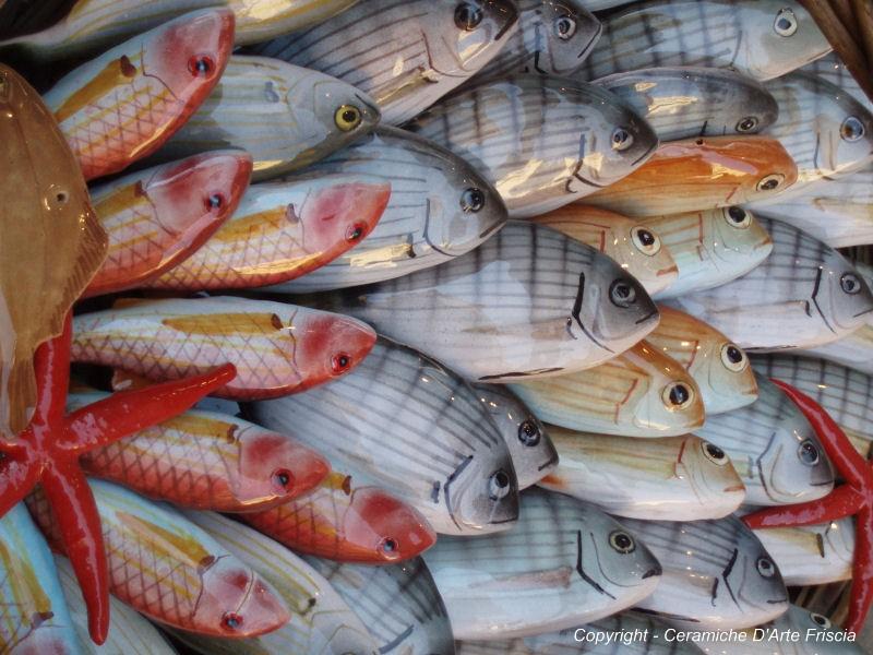 Ceramiche d arte gianfranco friscia produzione pesci e farfalle in